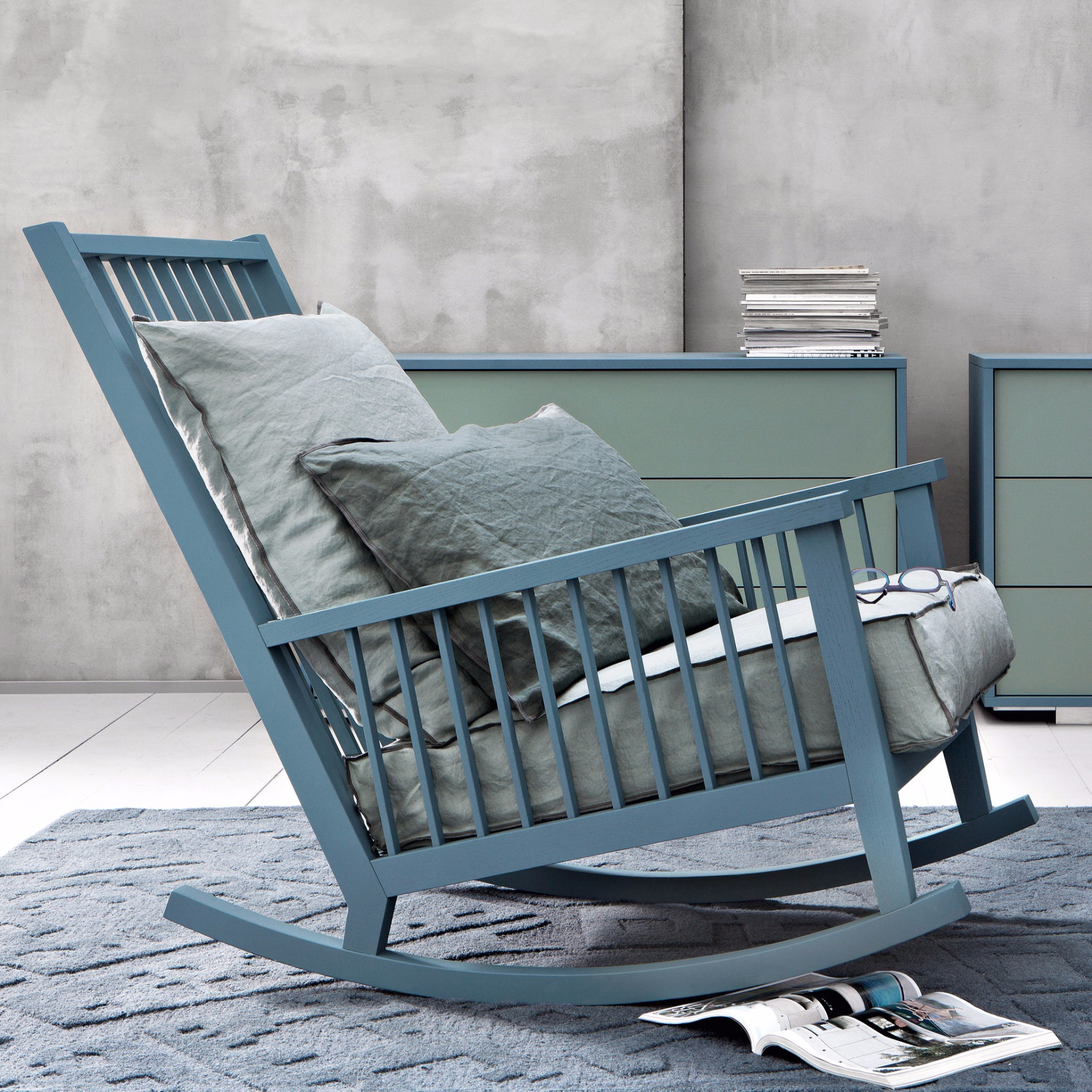 rocking chair gray 09 by gervasoni. Black Bedroom Furniture Sets. Home Design Ideas