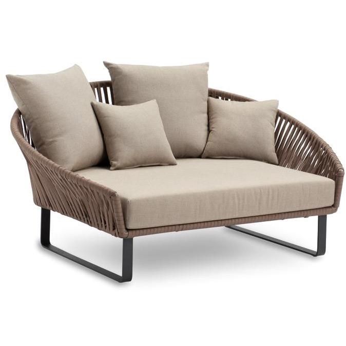 bitta garten daybed von kettal. Black Bedroom Furniture Sets. Home Design Ideas