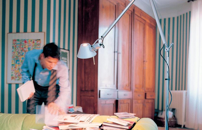 tolomeo lettura led stehleuchte von artemide. Black Bedroom Furniture Sets. Home Design Ideas