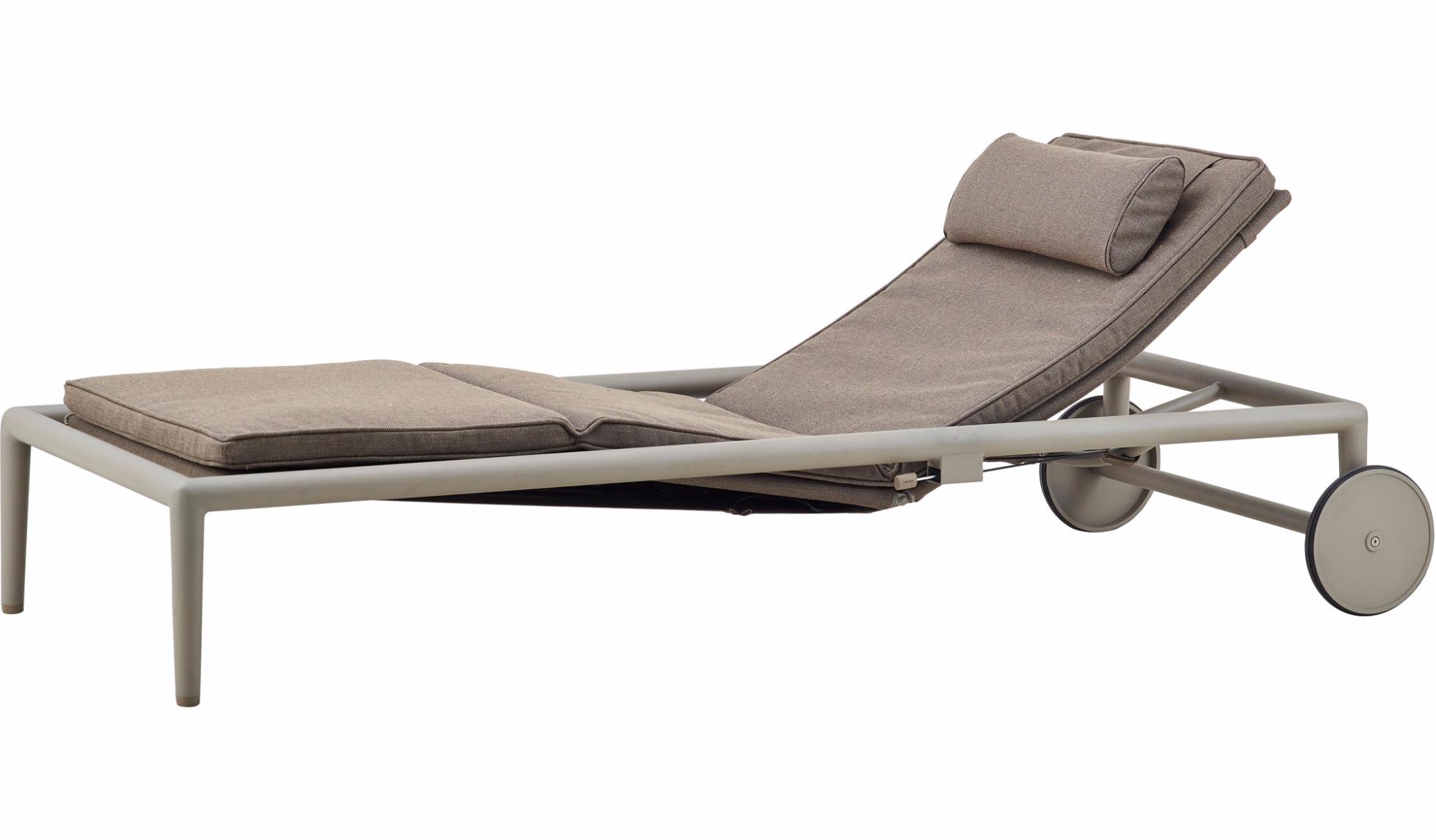 sonnenliege conic von cane line. Black Bedroom Furniture Sets. Home Design Ideas