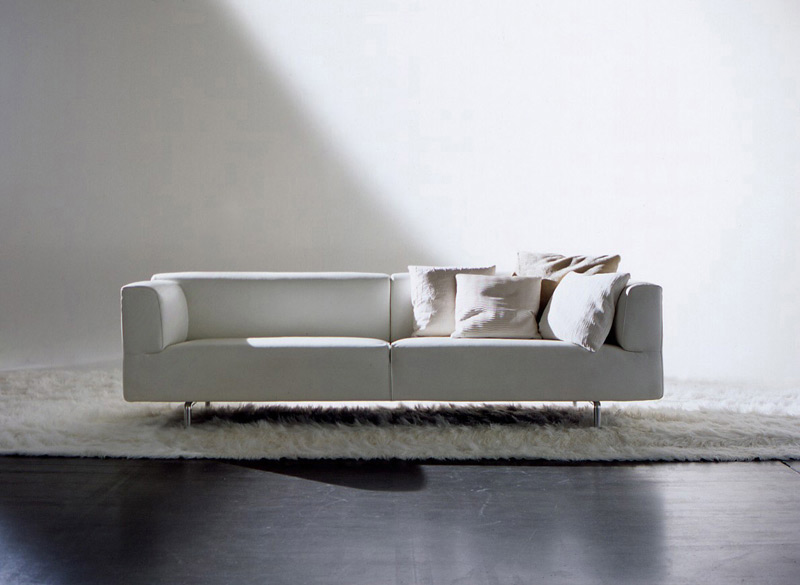 kissen f r sofa met von cassina. Black Bedroom Furniture Sets. Home Design Ideas