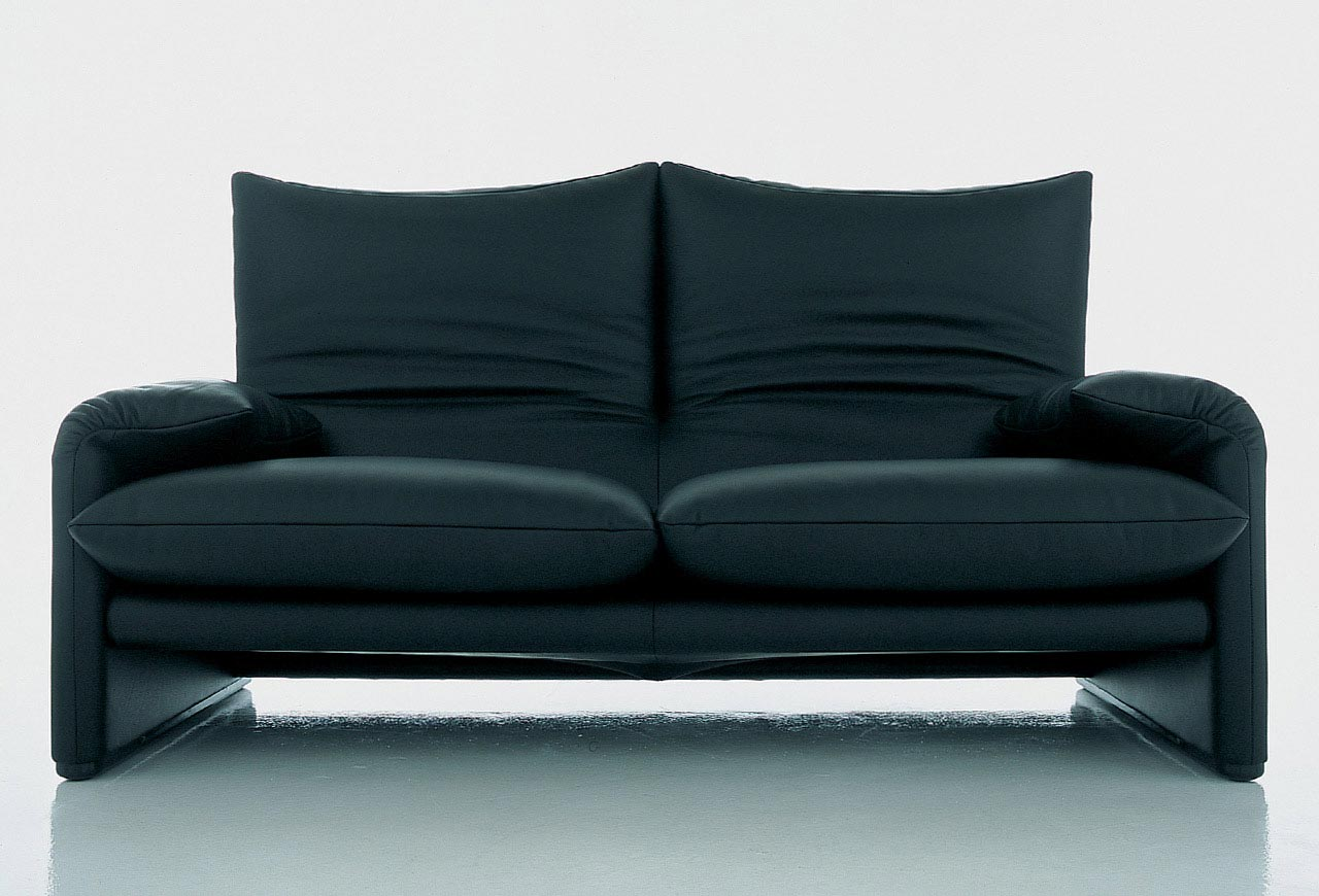 sofa series maralunga by cassina. Black Bedroom Furniture Sets. Home Design Ideas