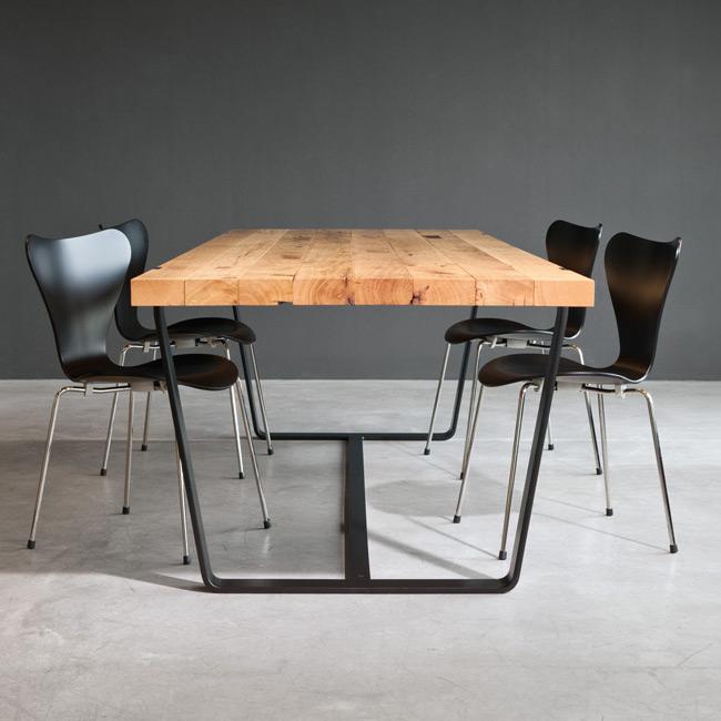tisch bb 11 clamp von janua. Black Bedroom Furniture Sets. Home Design Ideas