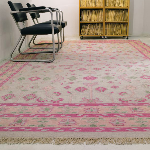 Vintage Classic Butterfly carpet by Kinnasand