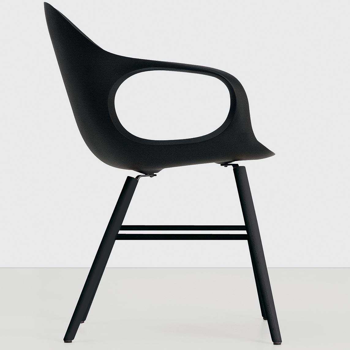 stuhl elephant mit holzgestell von kristalia. Black Bedroom Furniture Sets. Home Design Ideas