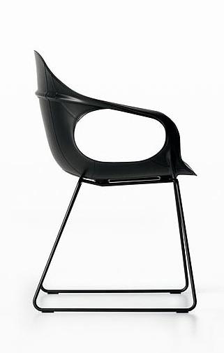 stuhl elephant mit kernledersitz von kristalia. Black Bedroom Furniture Sets. Home Design Ideas