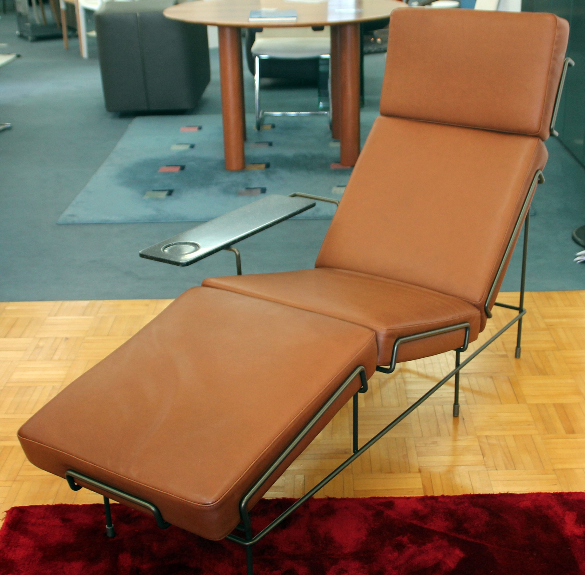 Traffic chaise lounge by Magis