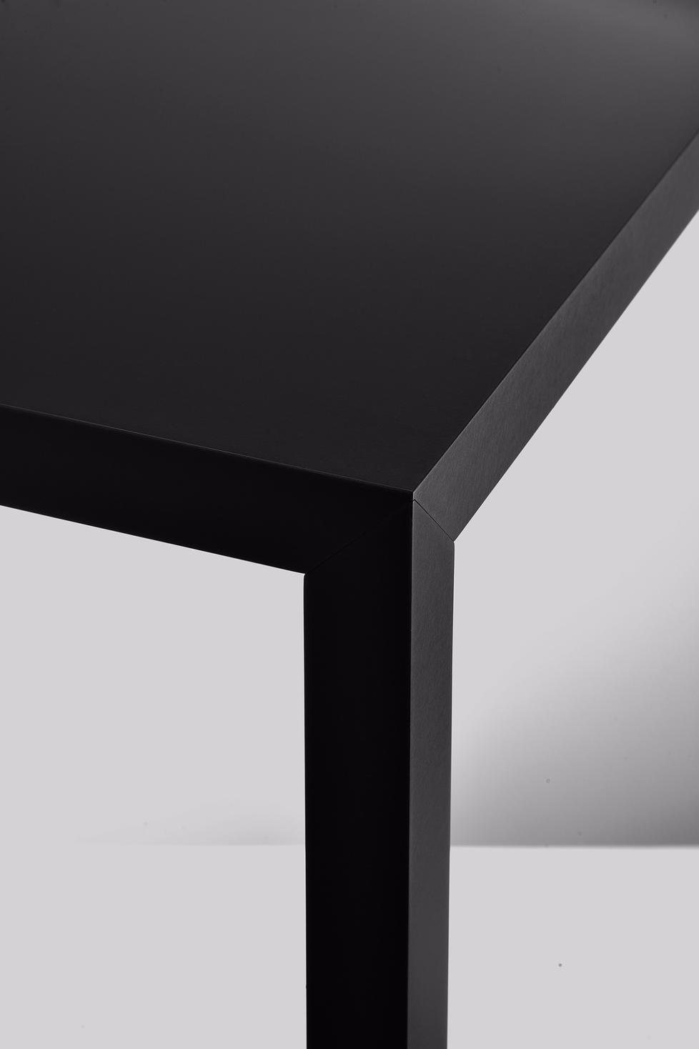 tense material holztisch von mdf italia. Black Bedroom Furniture Sets. Home Design Ideas