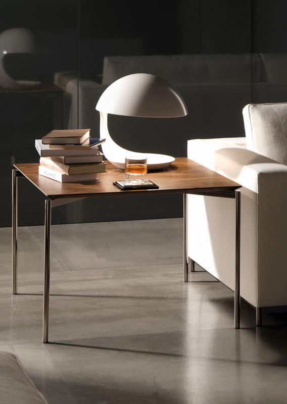 couchtisch serie norman von minotti. Black Bedroom Furniture Sets. Home Design Ideas