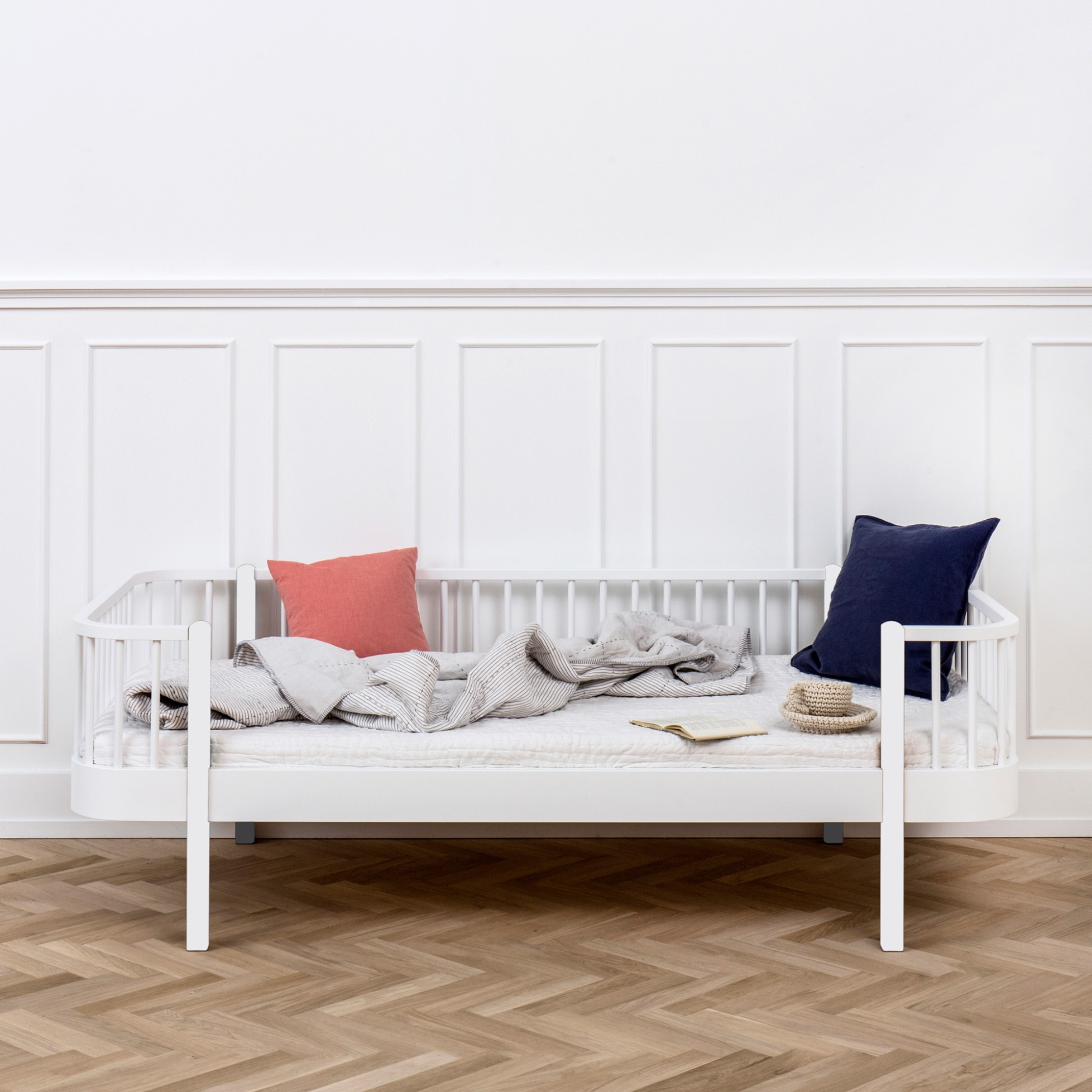 wood daybed by oliver furniture