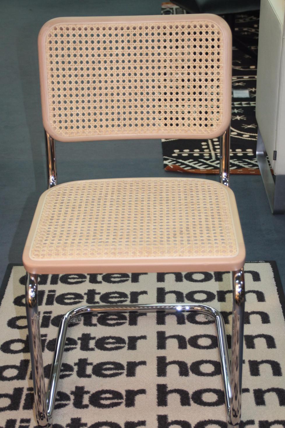 freischwinger s 32 und s 64 von thonet. Black Bedroom Furniture Sets. Home Design Ideas